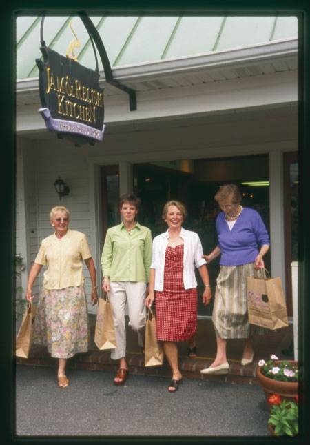Kitchen Kettle Village - Shopping with friends